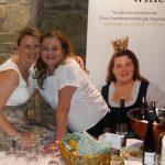 Familienbande ... Cousine und Mutter der Vize-Weinkönigin
